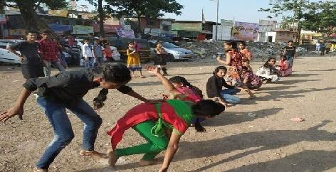 mobile chhod maidan pakad